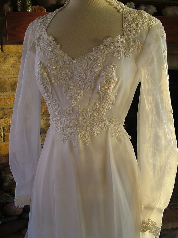 Wedding dress 1970s vintage empire waistline fairy dress