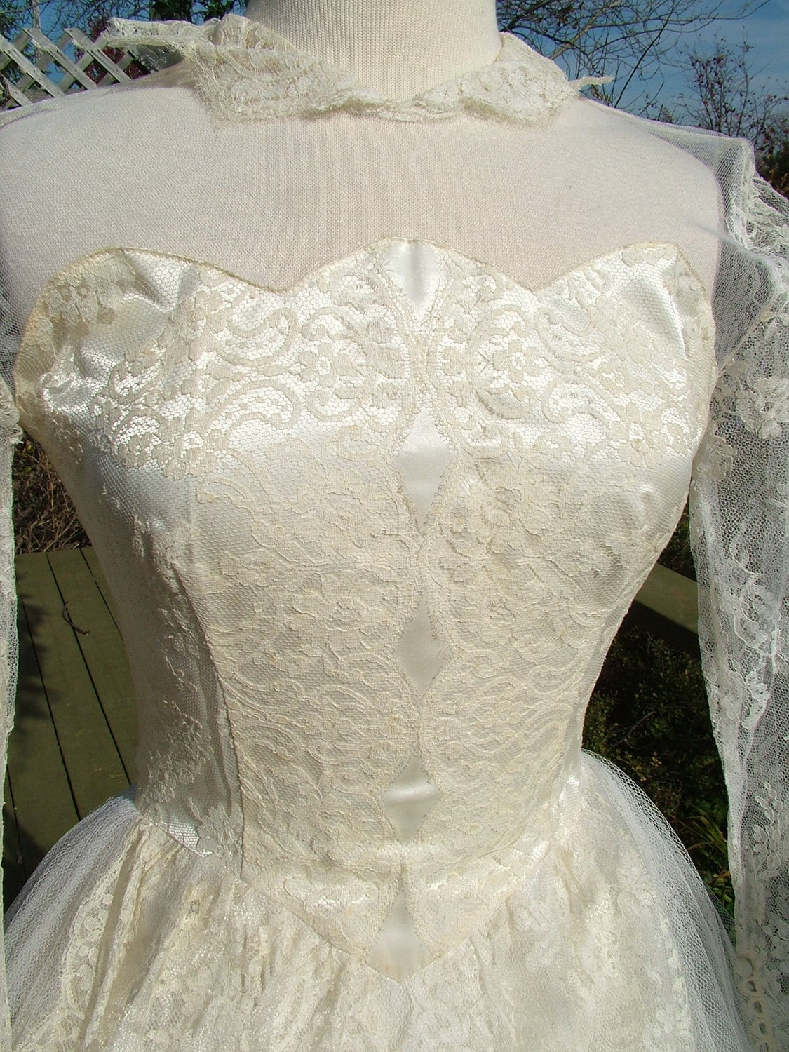 1950s Lace Lace Fashion Article Popularity Of 1950s Lace: Vintage Wedding Dress Chantilly Lace Tulle 1950s Tea Length