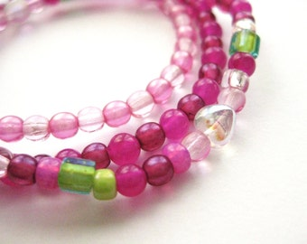 Girls Bracelet (one bracelet), Pink and Green Beads with Iridescent Hearts, Large Bracelet, GBL 165