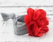 No Tug Elastic Hair Tie with mini flower by Cabecitas Lindas on Etsy perfect for chic ponytails