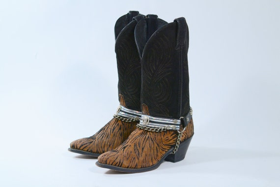 Womans cowgirl boot/cowboy boot tiger print