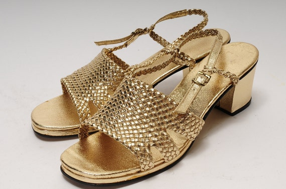 Gold Sandal Size 8 Woman's