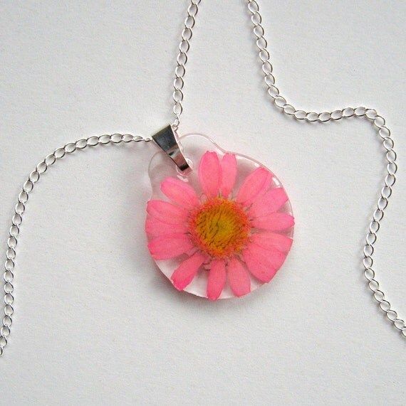 Pink Daisy - Real Flower Garden Necklace