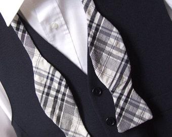 Lovely Bow Tie - very dark blue & white seersucker fabric - self tie, freestyle for men - ships worldwide from France