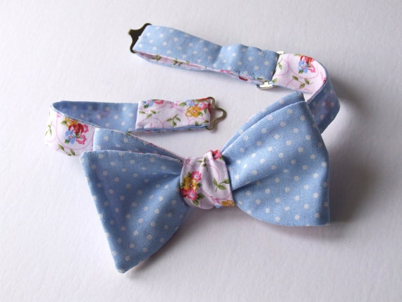 Reversible bowtie, freestyle bow tie, ajustable, polka dot one side, floral print on reverse, self tie