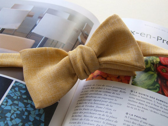 Bow Tie in yellow, freestyle, self tie bowtie for men.