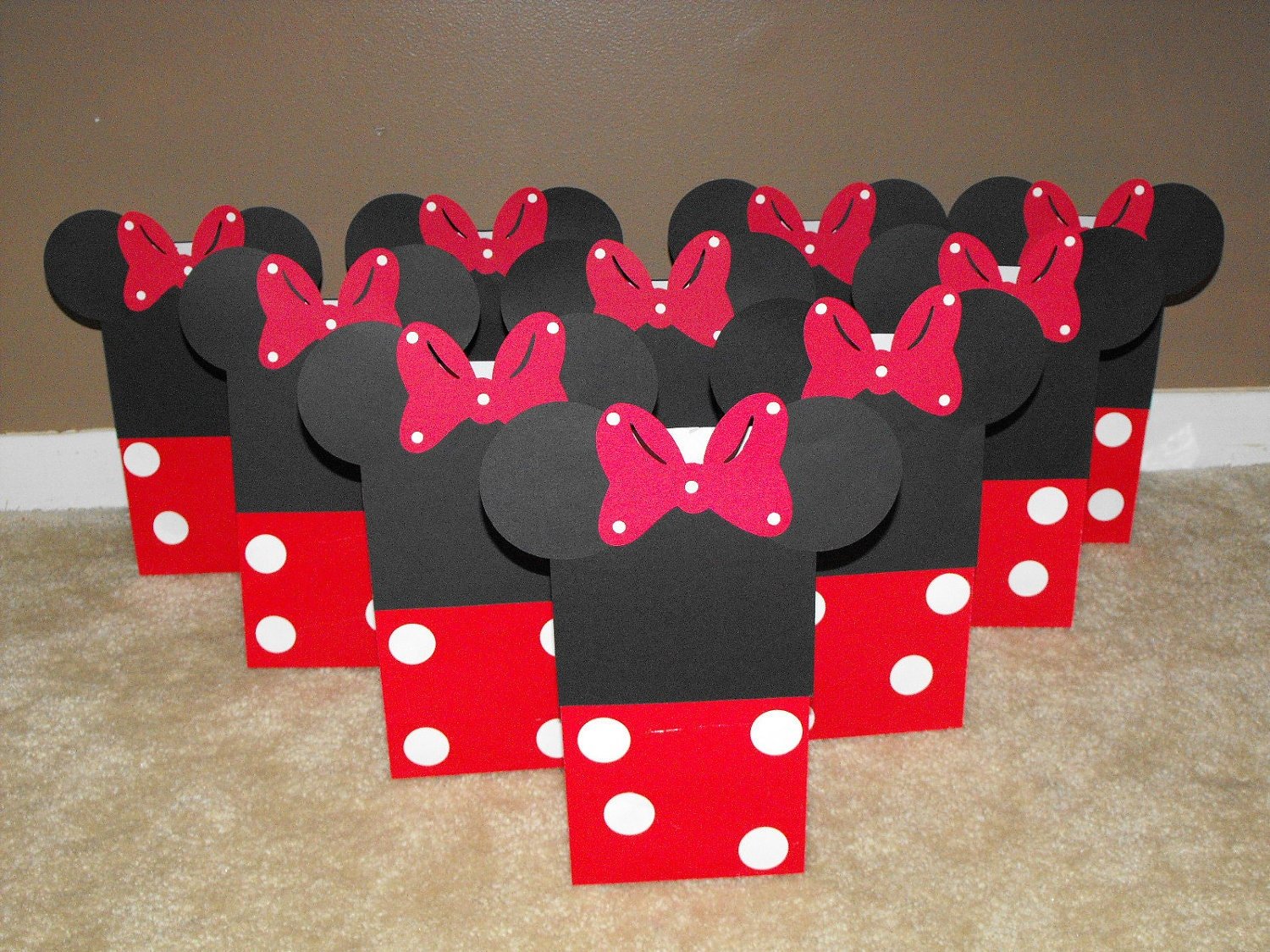 Popular items for minnie mouse party favor on Etsy