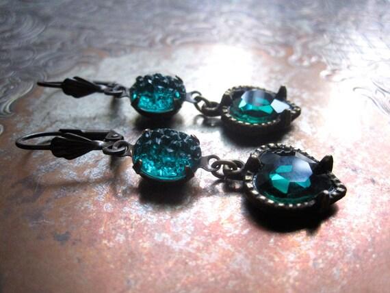 Emerald Sugar Rhinestone Earrings / Forest Green Hearts / Handmade Vintage Jewelry / Valentine Gift