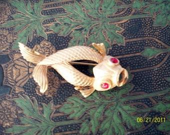 Vintage BSK Fish Brooch Goldtone with Red Glass looking eyes