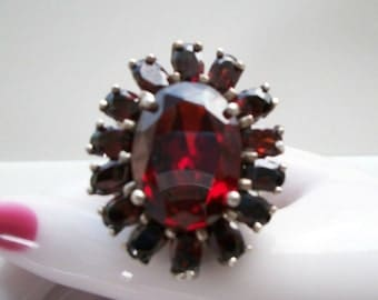 Vintage Genuine Garnet Gemstone Ring / GORGEOUS Red Valentine Perfect