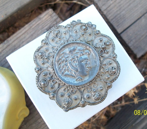 Goldette Box Very Ornate Collectible / Hinged / Signed Vintage
