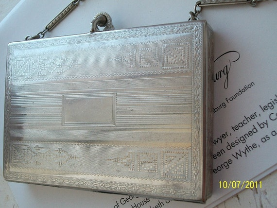 Art Deco Flapper 1920s Wristlet Compact Lipstick Purse/ Engine Turned with Floral Design Detailed/ Linked Chain