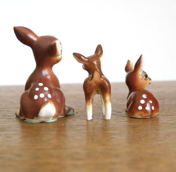 vintage minature ceramic deer fawn family FROLICKING