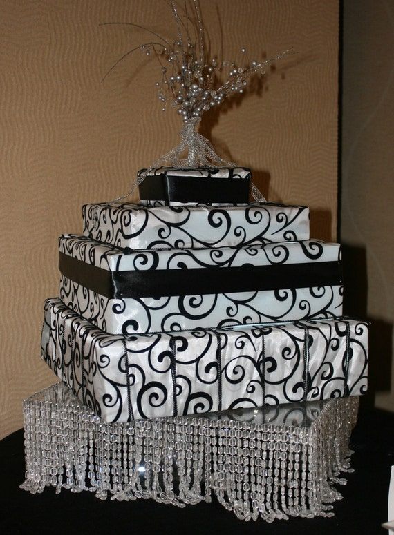 wedding cake stand with hanging crystals items similar to hanging wedding cake stand on etsy 25684