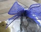 Custom-made glass photo ornament