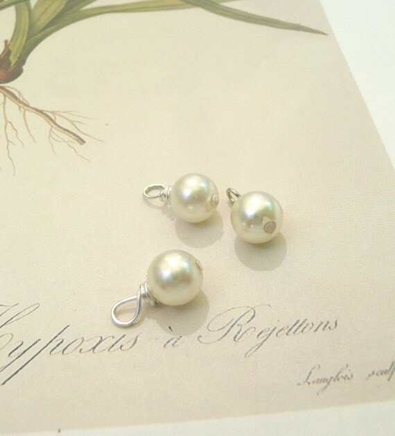 Pearl dangle bead, dangle beads, Hand wrapped pearl charms, 3 beads, Sigma Kappa charm, 8mm
