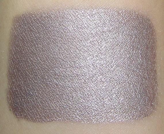 Dewdrop - Sparkling Iridescent Taupe Mineral Eyeshadow