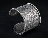 FREE SHIPPING Large silver Bracelet REPTILE