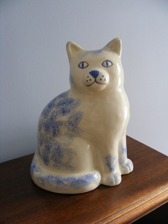 Sitting Kitty Cat-Blue and White Ceramic