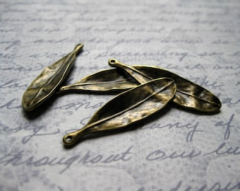SALE - 8 Leaf Charms in Bronze Tone - C702