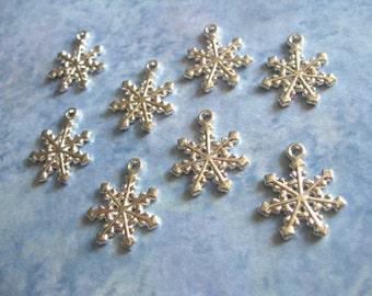10 Snowflake Charms Pendants in Bright Silver Tone - C845