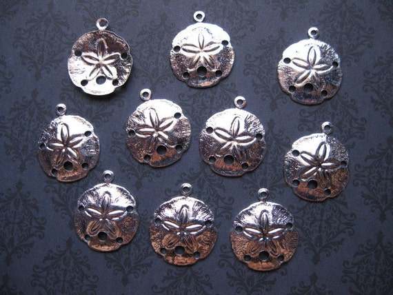 10 Sand Dollar Charms in Silver Tone - C140
