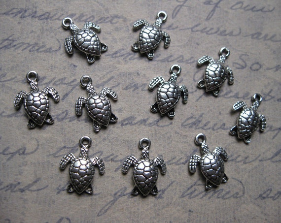 10 Turtle Charms Pendants in Silver Tone - smaller - C656