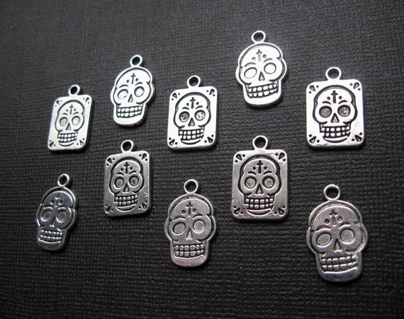 10 Day of the Dead Skull Charms in Silver Tone - C1117