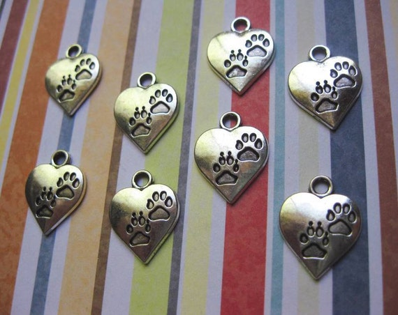 8 Heart Paw Charms Pendants in Silver Tone - C1255