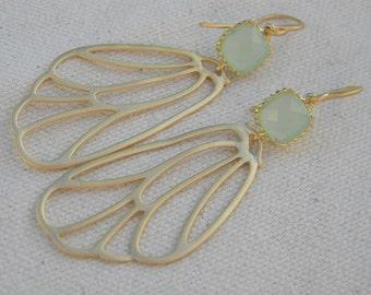 Mint Green Earrings, Gold Butterfly  Earrings, Wing Earrings, Dangle Earrings, Bride, Bridal, Wedding , Bridesmaid Earrings