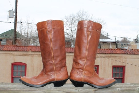 vtg. womens leather tall carmel color BOOTS size 7 1/2 B