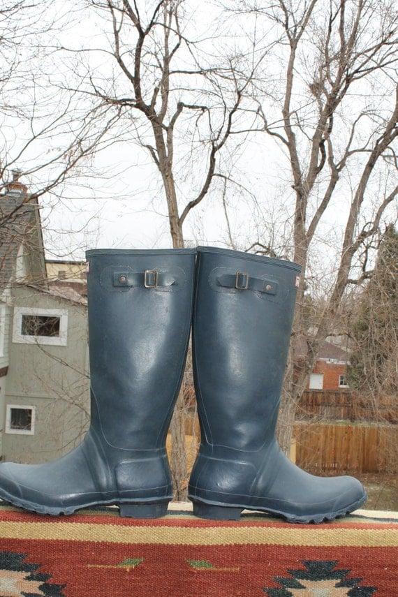 vtg. tall original HUNTER WELLIES made in scotland blue uk 9 us 10 UNISEX spring rain boots
