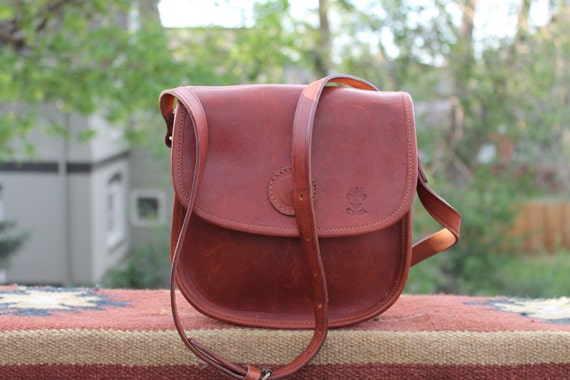 vtg. leather cross body adjustable strap small bag UNISEX