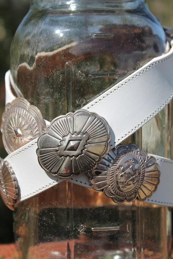 vtg. leather womens JUSTIN concho belt size 30 western SUMMER