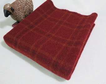 Brickhouse Red, Wool Fabric for Rug hooking and Applique, Fat Quarter Yard, J509