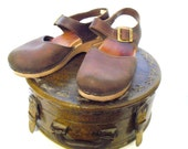 Dansko Sandal Clogs - Sanita Distressed Brown