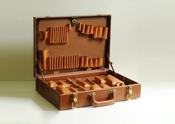 vintage artist art box, large vinyl case, painter painting, briefcase, suitcase, distressed, heavy duty