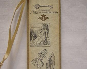 Alice in Wonderland Bookmark - Adventures - keyhole, key, glitter, white rabbit