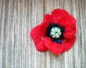 Felted poppy brooch - pin - hair accessory