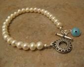 bridal eye bracelet, evil eye bracelet, pearl bracelet, wedding gift, evil eye jewelry, wedding pearls, fresh water pearls, evil eye pendant