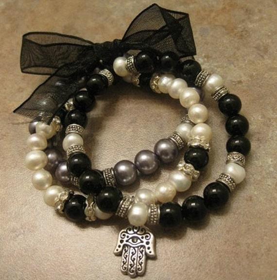 Hamsa hand jewelry, hamsa jewelry Pearl jewelry Hamsa hand Bracelet  Black Agate stone Pearl beads,  Stretch Bracelet, Black Agate Bracelet,