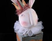 Primitive Folk Art Rabbit Trinket Box