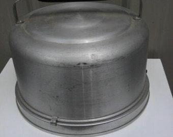 Vintage Mirro Aluminum Locking Cake Carrier Mid Century Cake Carrier Retro Baking Decor Kitchenware Bakeware Aluminumware
