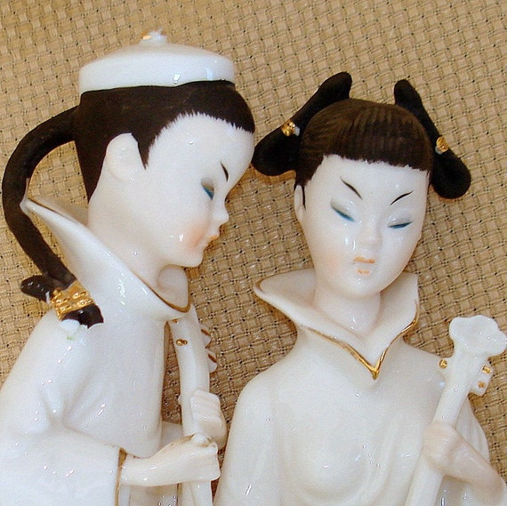 Vintage Asian Figurines. Chinese. Pair. PRICE REDUCED. Porcelain. Ardalt Lenwile Verithin