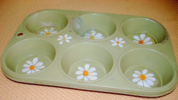 Vintage Green Muffin Cupcake Pan. Hand Painted