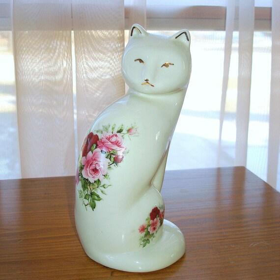 Vintage White Cat Figurine. Formalities by Baum Bros. Victorian Rose Bouquet. Gold Trim