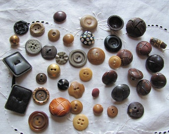 Lot of 42 Vintage and Antique Bakelite Celluloid Vegetable Metal Wood Leather Buttons Assorted