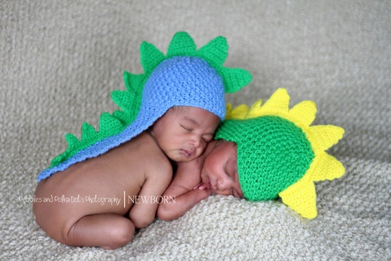 Newborn photo prop, dinosaur/ dragon  newborn/ baby hat. Newborn boy, newborn girl, newborn knit hat, newborn props, knit baby hat, dino hat