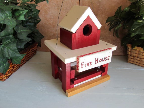 Red Bird House Old Style Fire Station Bird Feeder Combination