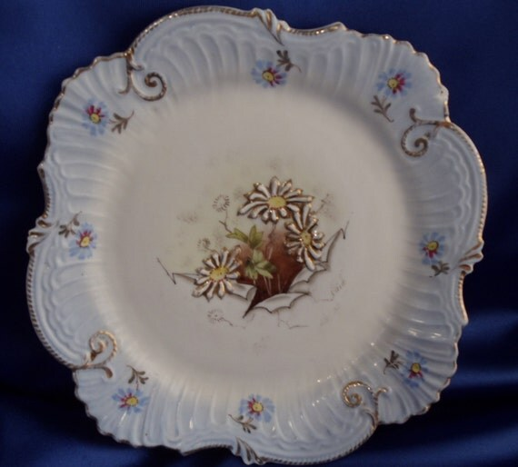 "Vintage Daisy 9"" Plate"